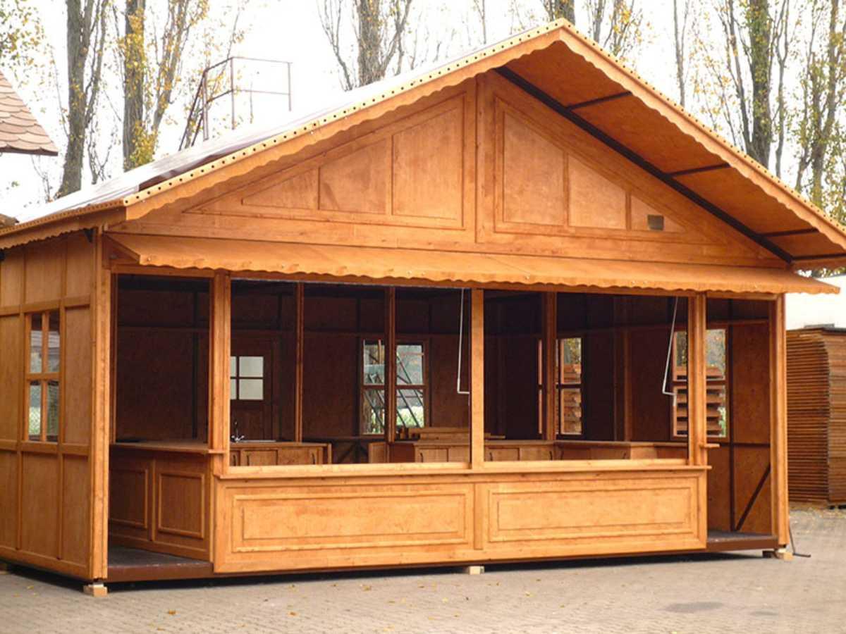 041-Hütte mit Gastraum